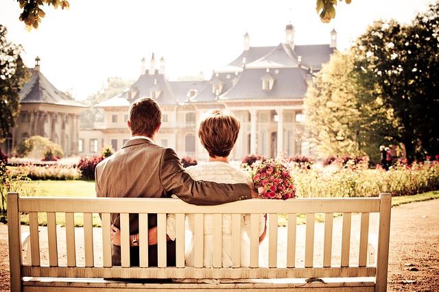 dvojice u zámku