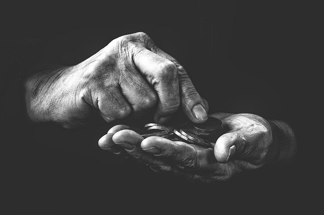 mince v dlaních