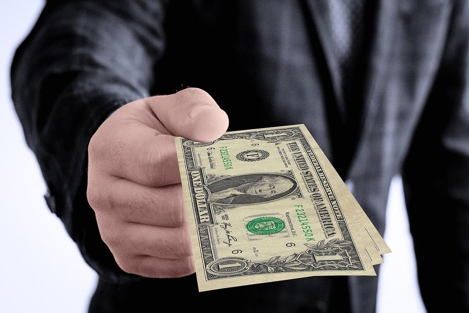 podané dolary